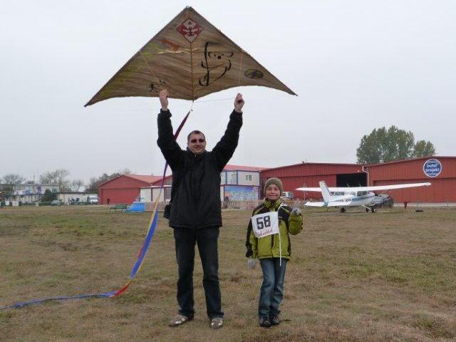 www.ss.petronet.pl/News/Latawce_2011_19.jpg