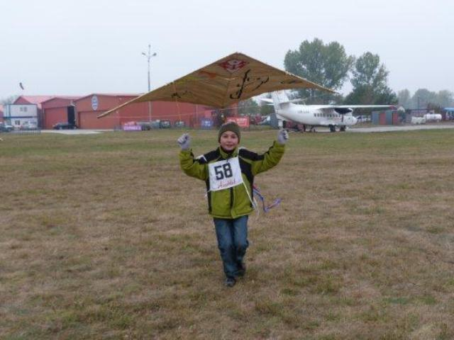 www.ss.petronet.pl/News/Latawce_2011_8.jpg